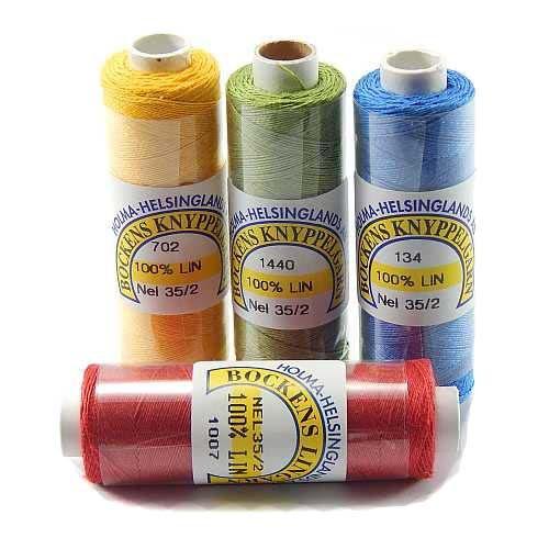 Bockens farbiges Leinengarn Nel 35/2, Handarbeitsgarn aus 100 % Leinen. Aus Flachs gesponnen. Klöppeln, Häkeln, Sticken, Weben, Modellbau, Buchbinden und für historische Restaurationen. In der Klöppelwerkstatt erhältlich.