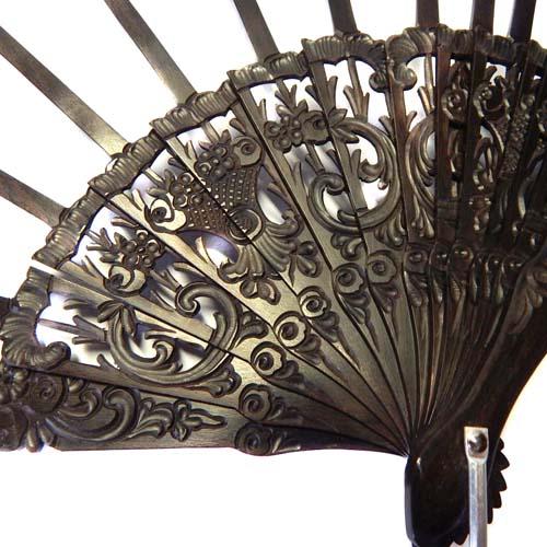 Fächergestell Modell Marbella, Holzart Ebano, in der Klöppelwerkstatt, für die Tüllfächer von Ulrike Voelcker, klöppeln, Abanico, Detailaufnahme
