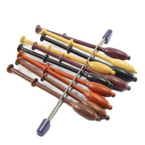Klöppelhalter aus Metall zum sichern von Klöppel oder Maschen