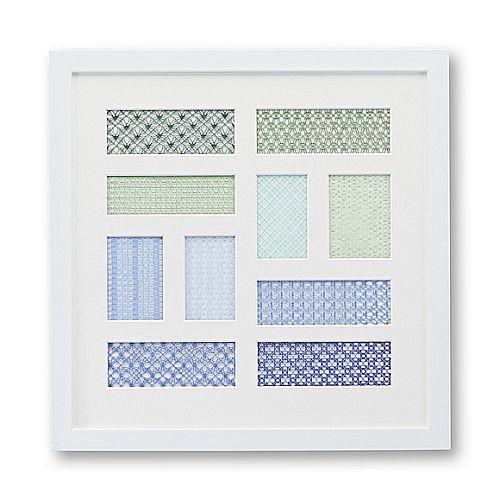 Passepartout mit 11 Ausschnitten mit Spitze in blau-grün tönen, im Bilderrahmen in der Klöppelwerkstatt, klöppelbriefe erhältlich, auch für Sticken, occhi, Nadelspitze