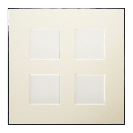 Passepartout 4 Ausschnitte 18 cm x 18 cm weiß, Rückseite geschlossen