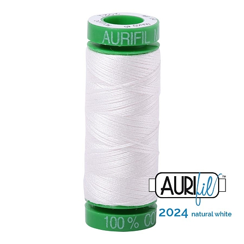 AURIFIL-Baumwollgarn-Minispule in 234 Farben ~ in 3 Stärken 100% ägyptische mercerisierte Baumwolle in 270 Farben und 4 Stärken in der Klöppelwerkstatt lieferbar, zum stricken, sticken, häkeln, patchwork, Quilten und nähen geeignet., Stärke 40wt, 4,3g Spule, Farbe 2021 natural white