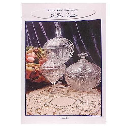 Filet Antico ~ Lillana Babbi Cappelletti, in der Klöppelwerkstatt, erklärt die klassische italienische Technik des Filet.