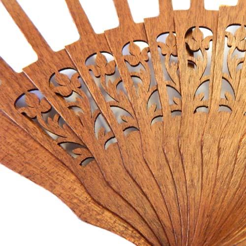 Fächer Modell Madrid und Brief Torchonfächer, 1 Fächergestell BS-AB12L in der Holzart Mahagonie Form Floral, in der Klöppelwerkstatt erhältlich