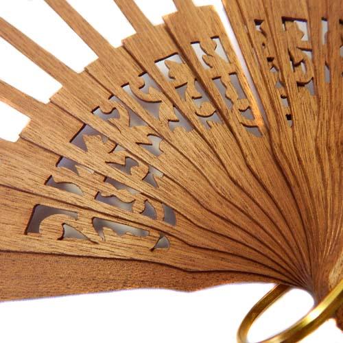 Fächer Modell Sevilla und Brief Torchonfächer, 1 Fächer BS-AB13A in der Holzart Mahagonie, in der Klöppelwerkstatt erhältlich
