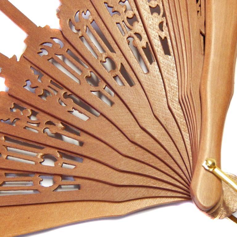 Fächer Modell Sevilla und Brief Torchonfächer, 1 Fächer BS-AB13A in der Holzart Peral in der From Floral, in der Klöppelwerkstatt erhältlich