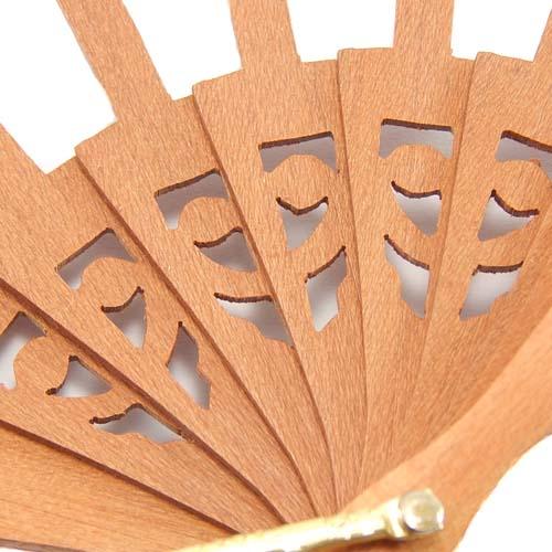 Fächer in der Holzart Peral, Detalbild, zum Artikel: Fächer Modell Salmanca und Brief Torchon PR-5