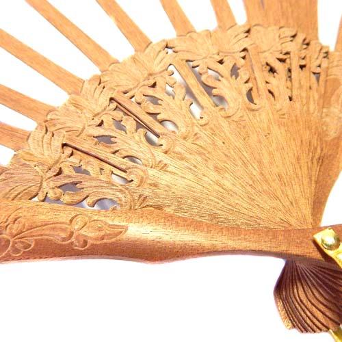 Fächergestell Modell Malaga hochwertig, sehr edel verarbeitet, bestens für den Tüllfächer von Ulrike Voelcker geeignet, in der Klöppelwerkstatt erhältlich, Detailfoto zum Artikel: Fächer Modell Malaga
