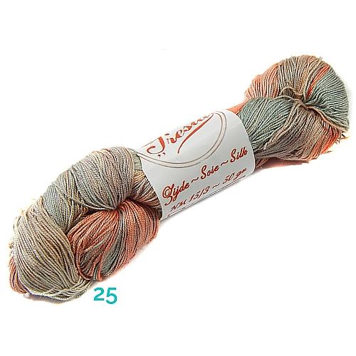 Fresia Seide, in der Farbe 25, handgefärbt, uni und multicolor, 100 % Seide, das Seidengarn ist in der Klöppelwerkstatt erhältlich und sehr gut zum Klöppeln, Stricken und auch zum Häkeln geeignet.