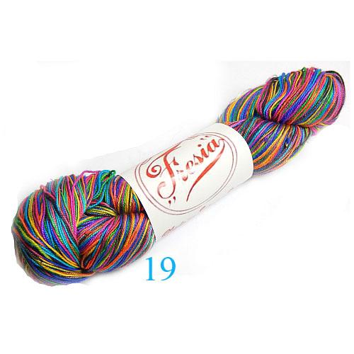 Fresia Seide, in der Farbe 19, handgefärbt, uni und multicolor, 100 % Seide, das Seidengarn ist in der Klöppelwerkstatt erhältlich und sehr gut zum Klöppeln, Stricken und auch zum Häkeln geeignet.