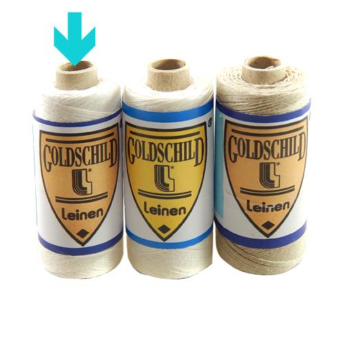 Goldschild Leinengarn Nel 30/3 in weiß, Handarbeitsgarn aus 100 % Leinen, Flach, gesponnen. Zum Klöppeln, Häkeln, sticken, Modellbau und Buchbinden bestens geeignet, in der Klöppelwerkstatt erhältlich.