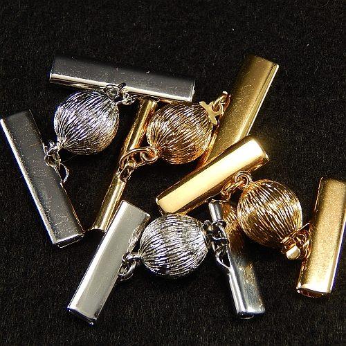 Kugelschliesse 14380 mit Klemme zum festklemmen der Spitze. Nur in der Klöppelwerkstatt erhältlich, vergoldet und rhodiniert in 20mm und 25mm.