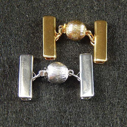 Kugelschließe 14586 mit Klemme zum festklemmen der Spitze. Nur in der Klöppelwerkstatt erhältlich, rhodiniert, vergoldet, 2 cm