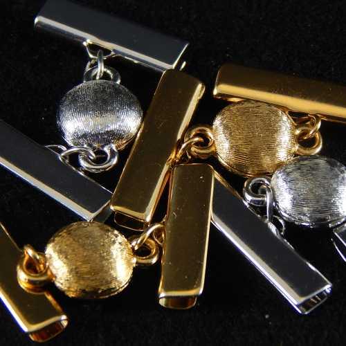 Magnetverschluss mit Klemme 14282 zum festklemmen der Spitze. Nur in der Klöppelwerkstatt erhältlich, rhodiniert und vergoldet, 20mm, 25 mm