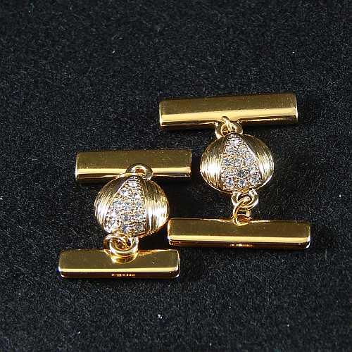1 Magnetverschluss mit Klemme 14289 zum festklemmen der Spitze. Nur in der Klöppelwerkstatt erhältlich, vergoldet, 20 und 25 mm