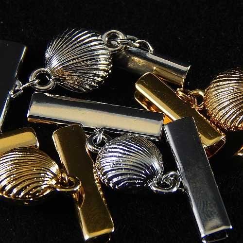 Magnetverschluss mit Klemme 14290 zum festklemmen der Spitze. Nur in der Klöppelwerkstatt erhältlich, vergoldet o. rhodiniert in 20 mm o. 25 mm Breite