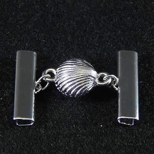 1 Magnetverschluss mit Klemme 14290 zum festklemmen der Spitze. Nur in der Klöppelwerkstatt erhältlich, rhodiniert 25 mm