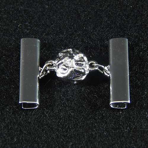 1 Magnetverschluss mit Klemme 14521 zum festklemmen der Spitze. Nur in der Klöppelwerkstatt erhältlich, rhodiniert 25 mm