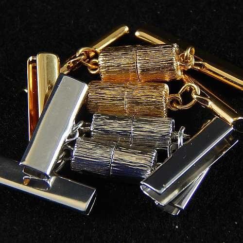 Magnetverschluss mit Klemme 14638 zum festklemmen der Spitze. Nur in der Klöppelwerkstatt erhältlich, rhodiniert, vergoldet, 25 mm, 20mm