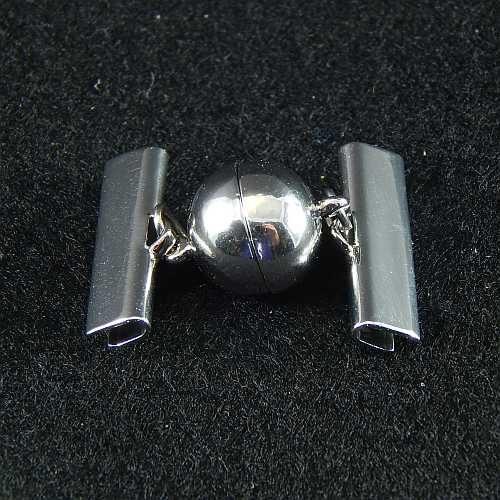 1 Magnetverschluss mit Klemme 14757 zum festklemmen der Spitze. Nur in der Klöppelwerkstatt erhältlich, rhodiniert 20mm