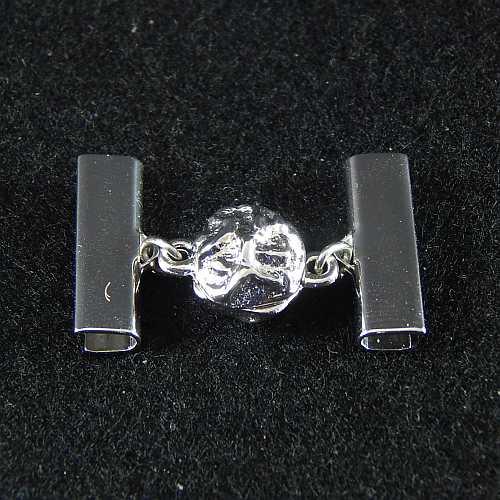 1 Magnetverschluss mit Klemme 14521 zum festklemmen der Spitze. Nur in der Klöppelwerkstatt erhältlich, rhodiniert 20 mm