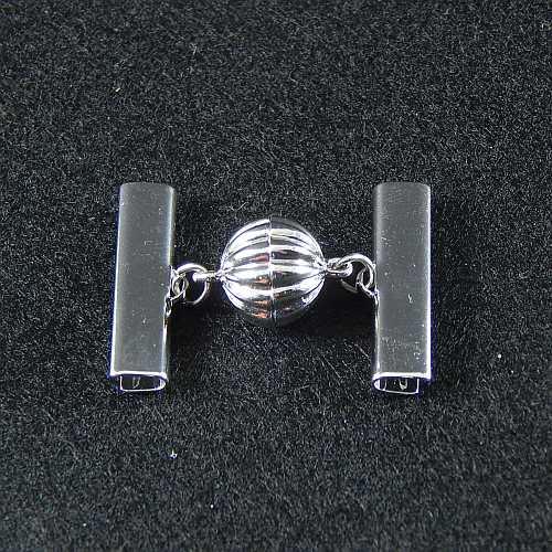 1 Magnetverschluss mit Klemme 14682 zum festklemmen der Spitze. Nur in der Klöppelwerkstatt erhältlich, rhodiniert 25mm