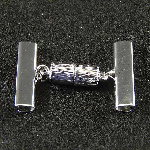 1 Magnetverschluss mit Klemme 14638 zum festklemmen der Spitze. Nur in der Klöppelwerkstatt erhältlich, rhodiniert 25 mm