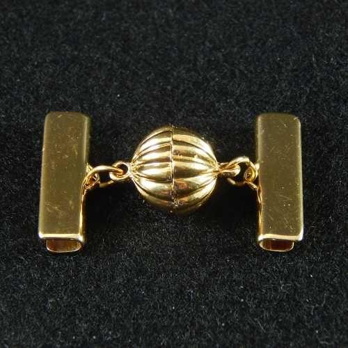 1 Magnetverschluss mit Klemme 14682 zum festklemmen der Spitze. Nur in der Klöppelwerkstatt erhältlich, vergoldet 20mm