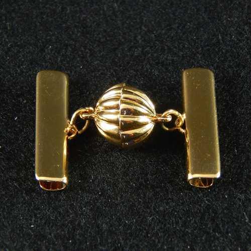 1 Magnetverschluss mit Klemme 14682 zum festklemmen der Spitze. Nur in der Klöppelwerkstatt erhältlich, vergoldet 25mm