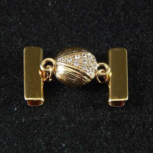 1 Magnetverschluss mit Klemme 14289 zum festklemmen der Spitze. Nur in der Klöppelwerkstatt erhältlich, vergoldet 20 mm
