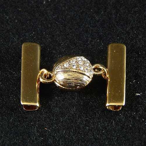 1 Magnetverschluss mit Klemme 14289 zum festklemmen der Spitze. Nur in der Klöppelwerkstatt erhältlich, vergoldet 25 mm