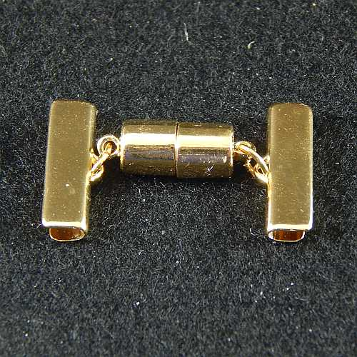 1 Magnetverschluss mit Klemme 14637 zum festklemmen der Spitze. Nur in der Klöppelwerkstatt erhältlich, vergoldet 20 mm