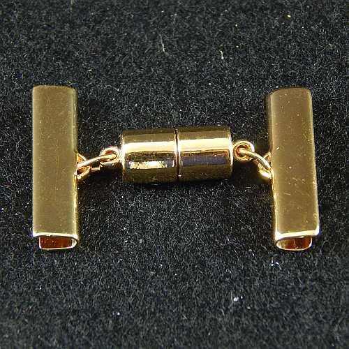 1 Magnetverschluss mit Klemme 14637 zum festklemmen der Spitze. Nur in der Klöppelwerkstatt erhältlich, vergoldet 25 mm