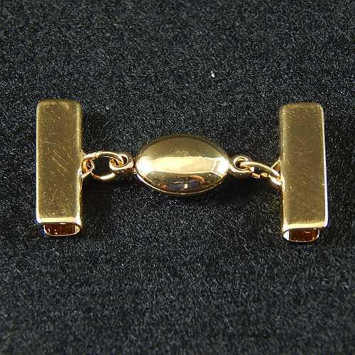 1 Magnetverschluss mit Klemme 14723 zum festklemmen der Spitze. Nur in der Klöppelwerkstatt erhältlich, vergoldet 20mm