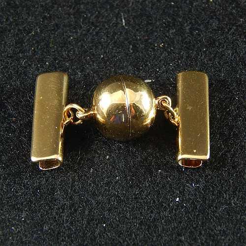 1 Magnetverschluss mit Klemme 14757 zum festklemmen der Spitze. Nur in der Klöppelwerkstatt erhältlich, vergoldet 20mm