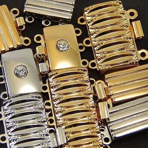 Verschlüsse zum Annähen, silberfarbig und goldfarbig mit breite Form für Armbänder, geklöppelt, gehäkelt, erhältlich in der Klöppelwerkstatt