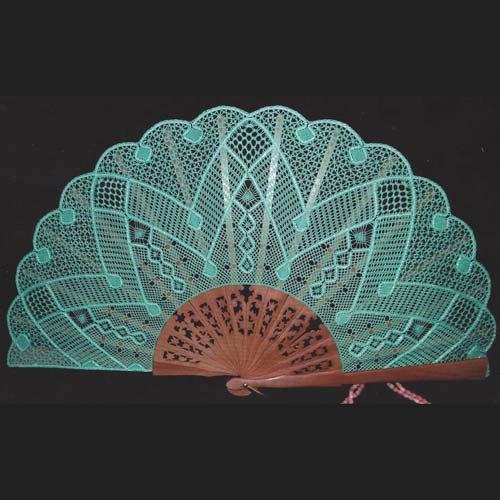 Fächer Modell Sevilla und Brief Torchonfächer, geklöppelter Fächer, in der Klöppelwerkstatt, Abaniko, klöppeln