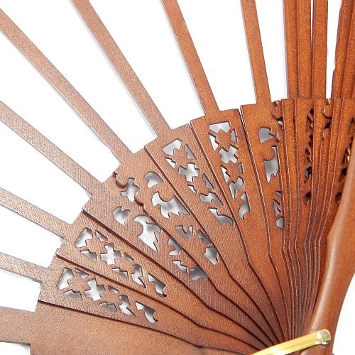 Fächer Modell Madrid und Brief Torchonfächer,1 Fächergestell BS-AB12L in der Holzart Birne lakiert Wallnussfarben, in der Klöppelwerkstatt erhältlichHolzart Birne lakiert in wallnussfarben, in der Klöppelwerkstatt erhältlich