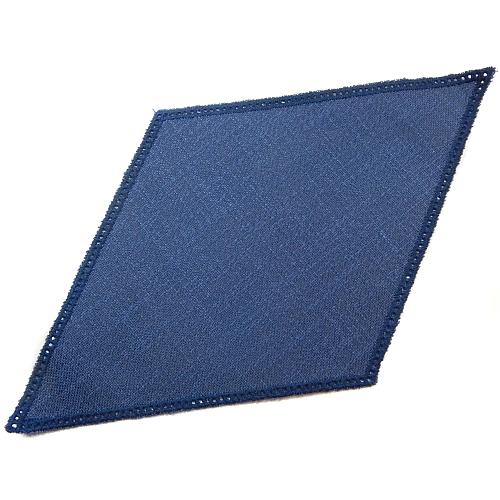 Anhäkelform Rhombus 18 cm x 32 cm, lochranddeckchen dunkel-blau von der Fa. Zweigart, zum Häkeln, Klöppeln in der Klöppelwerkstatt