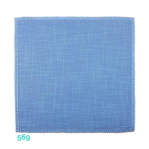 Anhäkelform Quadrat 20 cm x 20 cm, Lochranddeckchen von der Firma Zweigart, zum häkeln, klöppeln, in der Klöppelwerkstatt erhältlich. Farbe: 569 hellblau