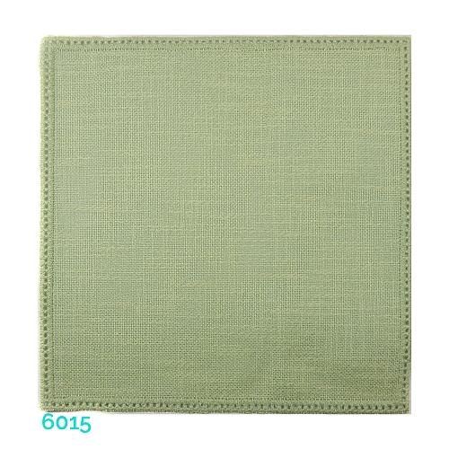 Anhäkelform Quadrat 20 cm x 20 cm, Lochranddeckchen von der Firma Zweigart, zum häkeln, klöppeln, in der Klöppelwerkstatt erhältlich. Farbe: 6015 hellgrün