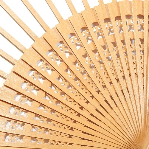 Fächergestell Birke klar lackiert - in der Klöppelwerkstatt, Fächergestell in Spanien hergestellt. Mit schönen Verzierungen, klöppeln, Spitze, Deteilaufnahme