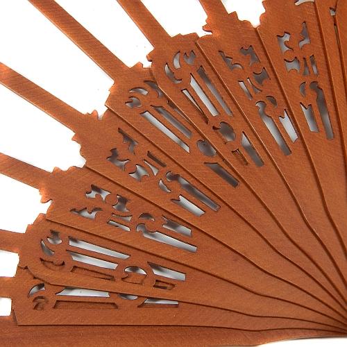 Fächer Modell Cadiz & Brief Torchonspitze Nr. 16 von Marie Luise Prinzhorn entworfen, in der Klöppelwerkstatt erhältlich, Fächergestell Birne