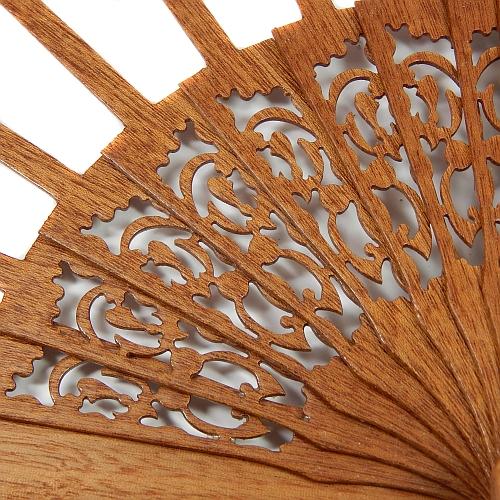 Fächer Modell Cadiz & Brief Torchonspitze Nr. 16 von Marie Luise Prinzhorn entworfen, in der Klöppelwerkstatt erhältlich, Fächergestell Mahagonie lakiert
