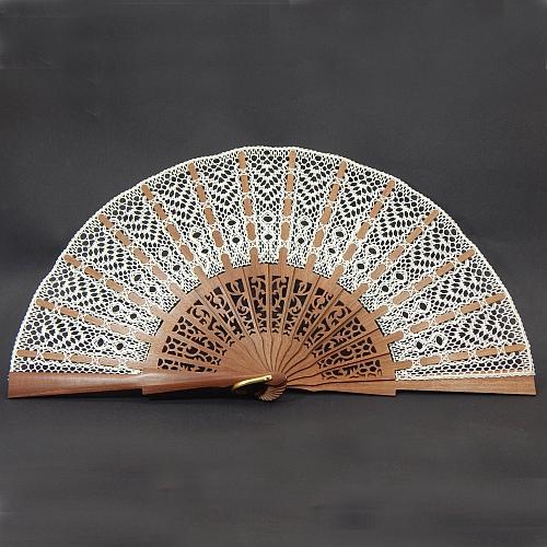 Fächer Modell Cadiz & Brief Torchonspitze Nr. 16 von Marie Luise Prinzhorn entworfen, in der Klöppelwerkstatt erhältlich, Fächer mit geklöppelter Spitze