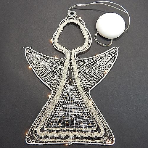 Klöppelbrief Engel mit LED - Beleuchtung ~ M.L. Prinzhorn in der Klöppelwerkstatt erhältlich, klöppeln, Weihnachten, Engel