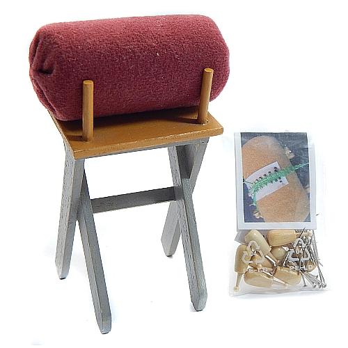 Mini Boden Klöppelständer, mit Rolle, 8 Klöppel, Nadeln ud Klöppelbrief Leinenschlagband, in der Klöppelwerkstatt, klöppeln
