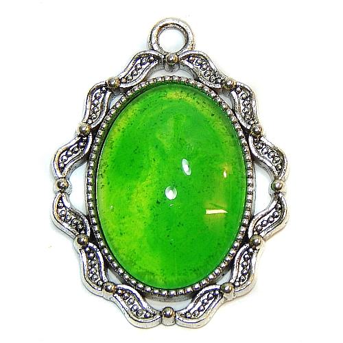 Anhänger Welle mit ovalem Stein in grün, zum klöppeln, in der Klöppelwerkstatt, Schmuck, Kette, klöppeln, Torchon
