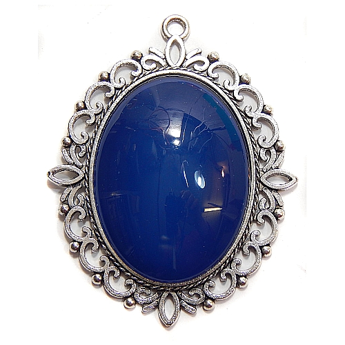 Anhänger Oval mit Stein in dunkelblau, zum klöppeln, in der Klöppelwerkstatt, Schmuck, Kette, klöppeln, Torchon