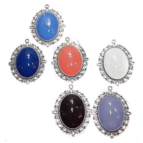 Anhänger Oval mit Stein in verschiedenen Farben, zum klöppeln, in der Klöppelwerkstatt, Schmuck, Kette, klöppeln, Torchon